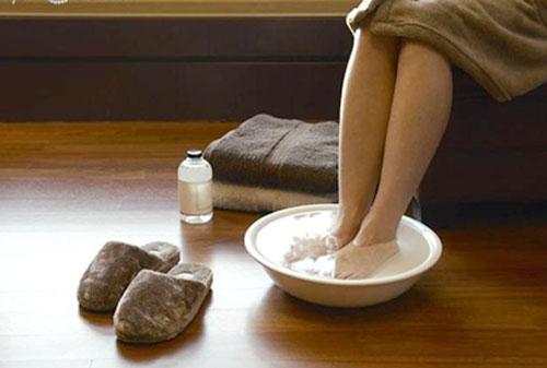 """Những điều """"cấm kị"""" cần biết khi ngâm chân nếu không muốn gây hại cho sức khỏe"""